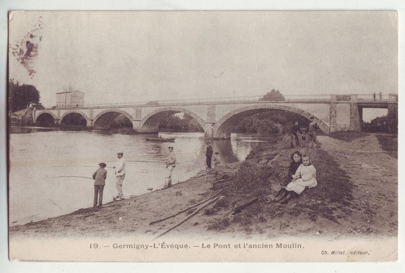 P906 1905 view card people fishing le pont et l,ancien moulin w/old france stamp