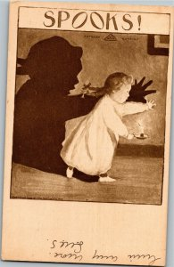 Spooks! Little Girl With Candle Scared by Her Shadow c1909 Vintage Postcard A32