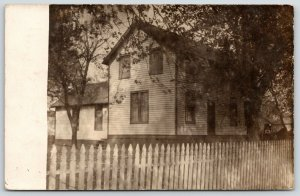 Manito IL~Folk Victorian House Nellie Lives In~Behind Long Picket Fence~RPPC '09