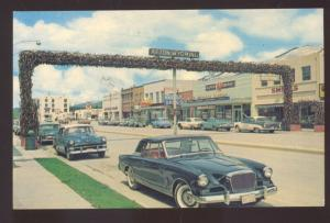 AFTON WYOMING WORLD'S LARGEST WELCOME ARCH 1950's CARS VINTAGE POSTCARD