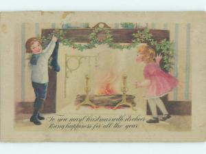 Pre-Linen christmas KIDS HANG HOLLY AND STOCKINGS FOR SANTA BY FIREPLACE HQ6154