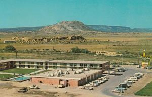 GALLUP , New Mexico , 50-60s ; Holiday Inn , [Route 66]