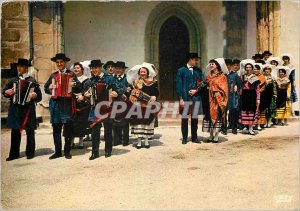 Postcard Modern Folklore Dancers and Limousin Menetriers of Eglantino do Lemo...