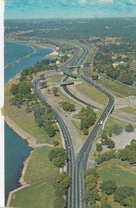 TORONTO , Ontario, 1950-60s ; The Parkway