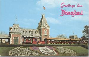 Disneyland, Floral Mickey Mouse at the Santa Fe & Disneyland Station