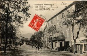 CPA Les Vans. Place et Monument Léopold Ollier. Grand Hotel Dardaillon (660565)