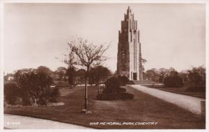 RP: COVENTRY , England , 30-40s : war Memorial Park