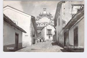 RPPC POSTCARD FOREIGN MEXICO TIPICA CALLEJUELA STREET VIEW