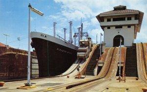 Postcard, Gatun Locks, Panama Canal. Ship Passing Through open gates FZ9