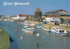 Boat 5mph Speed Limit Signs At Great Yarmouth 1980s Postcard