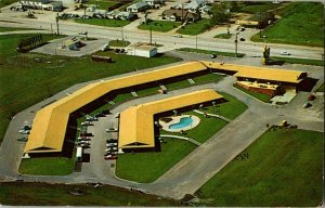 Holiday Inn South U. S. 75 Topeka Kansas Vintage Postcard Standard View Card