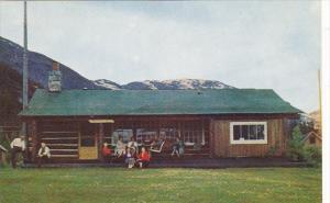 Alaska Taku Glacier Lodge On The Taku River