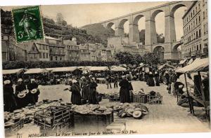 CPA AK MORLAIX-La Place Thiers un Jour de Marché (188673)