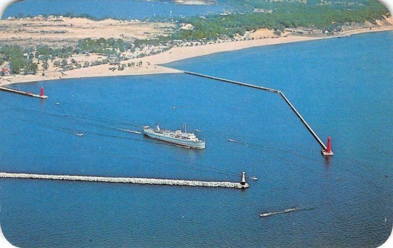 MUSKEGON Lake Michigan S.S. Milwaukee Clipper c1960s Vintage Postcard