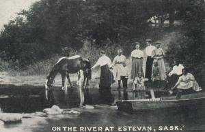 ESTEVAN , Saskatchewan , Canada , 1900-10s ; at the River