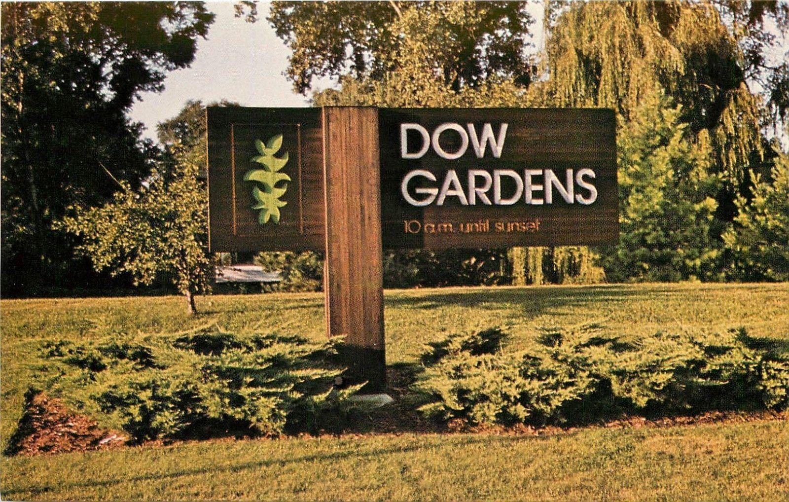 Dow Gardens Midland Michigan MI Postcard / HipPostcard