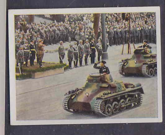 GERMANY TOBACCO CARD WWI 6x5 cms. TANKS PARADE AAD5144