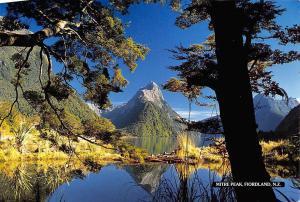 New Zealand Mitre Peak Fiordland Lake Mountains Landscape
