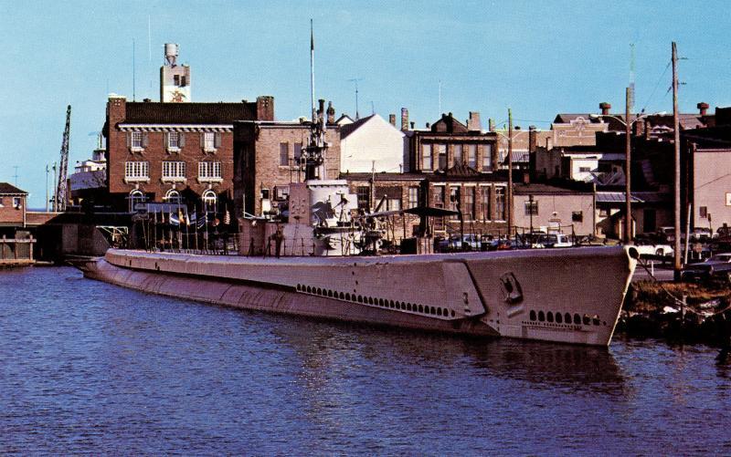 US    PC985   USS COBIA SS345 SUBMARINE at dock