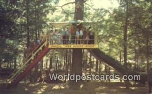 Bracebridge, Muskoka Canada, du Canada Santa's Tree House Slide Bracebridge, ...