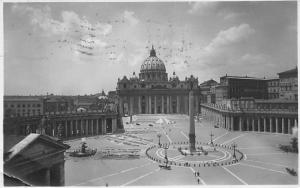 Italy Roma Piazza S. Pietro Square Fountains General view