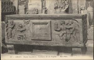 Arles Musee Lapidaire Tombeau dit de Psyche detail