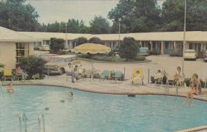 VALDOSTA, Georgia, PU-1985; Swimming Pool, Asheley Oaks Motel, U.S. 41