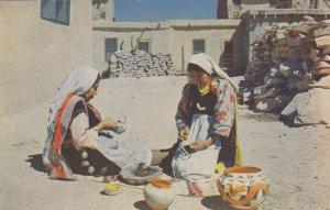 Native American Indian Pottery Makers, Grand Canyon , Arizona , PU-1958