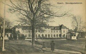sweden, UPSALA, Järnvägsstationen, Railway Station, Tram (1910s) Postcard