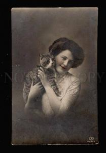 012432 Pretty Lady with KITTEN vintage PHOTO tinted PC