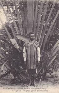 Madagascar Un jeune garcon Betsimisaraka