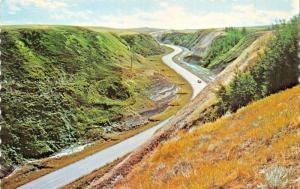 DINOSAUR VALLEY ALBERTA CANADA~TWIN HILL ROAD-#9 HIGHWAY POSTCARD