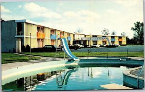 Country Manor Motor Inn, Pool NYS Thruway, Geneva Exit Phelps NY Postcard K11