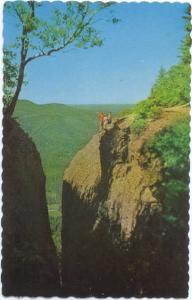 Etude Geologique a Perce La Crevasse, Perce, Quebec, Canada, Chrome