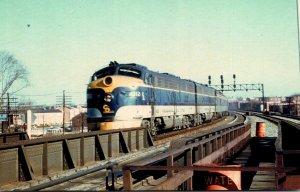 Trains Chesapeake & Ohio E8 Locomotive #4012