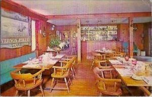 CT Thompson Vernon Stiles Inn Lounge