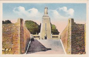 France Verdun Monument a la Victoire