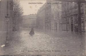 Inondations de Paris (Janvier 1910) Avenue Ledru-Rollin, Faub. St-Antoine, Fr...
