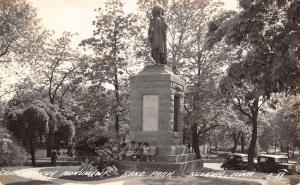 Keokuk Iowa~Rand Park~1940s Ladies & Girl on Chief Keokuk Monument~1942 RPPC