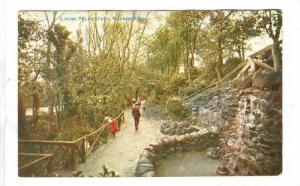 People Walking At Radnor Park, Folkstone (Kent), England, UK, 1900-1910s