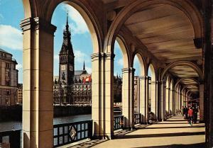 Hamburg Alsterarkaden und Rathaus Town Hall Promenade
