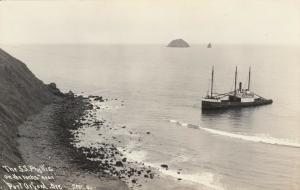 RP: PORT ORFORD , Oregon , 1920-30s ; Shipwreck of S.S. PHYLLIS; Patterson
