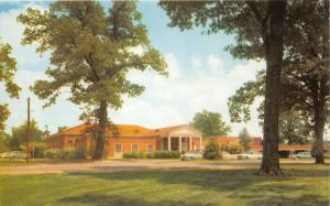 University of Mississippi (Ole Miss) Alumni House~50s Cars Parked~Postcard