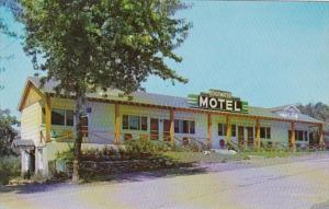 New York Catskill Edgewater Deluxe Motel