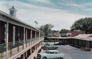 ARLINGTON, Virginia, 1940-60s; Clarendon Hotel Court, Classic Cars
