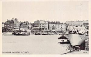 RAMSGATE KENT UK HARBOUR & TOWN~LINCOLN GREEN PUBL POSTCARD