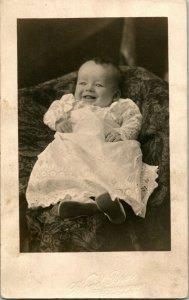 Vtg Tarjeta Postal 1904-18 Azo RPPC Retrato Adorable Bebé William Bill Vanhuizen