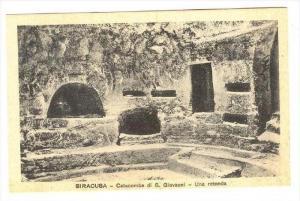 Siracusa, Italy, 00-10s   Catacombe di S. Giovanni - Una rotonda