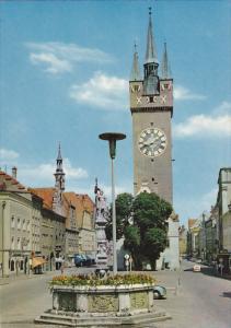 Germany Straubing an der Donau Tiburtiusbrunnen und Stadtturm