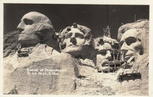 RP: BLACK HILLS, South Dakota, 1941; Shrine of Democracy ( Mt. Rushmore)